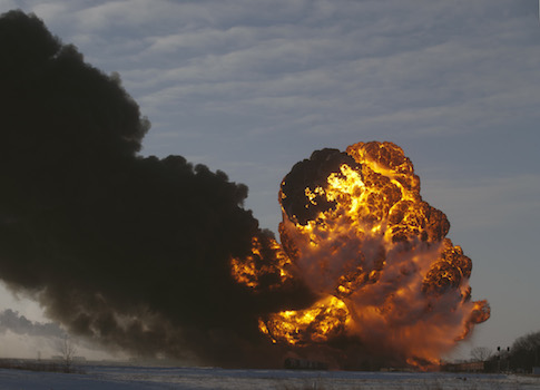 An oil train exploded after it derailed in North Dakota / AP
