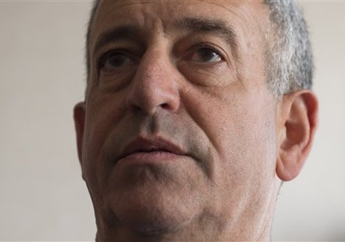 'Russ Feingold' from the web at 'http://s4.freebeacon.com/up/2015/08/Russ-Feingold.jpg'