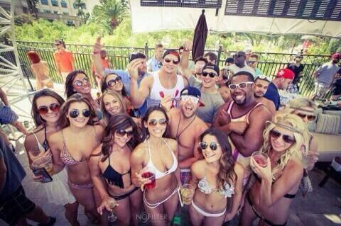 Johnny Football partying in Vegas / Instagram