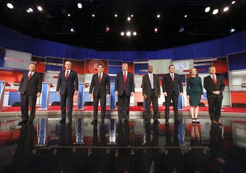 'John Kasich, Jeb Bush, Marco Rubio, Donald Trump, Ben Carson, Ted Cruz, Carly Fiorina, Rand Paul' from the web at 'http://s4.freebeacon.com/up/2015/11/Fox-Business-debate.jpg'